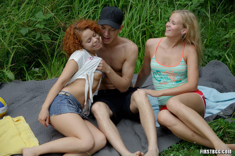 nakd girl trio outdoors