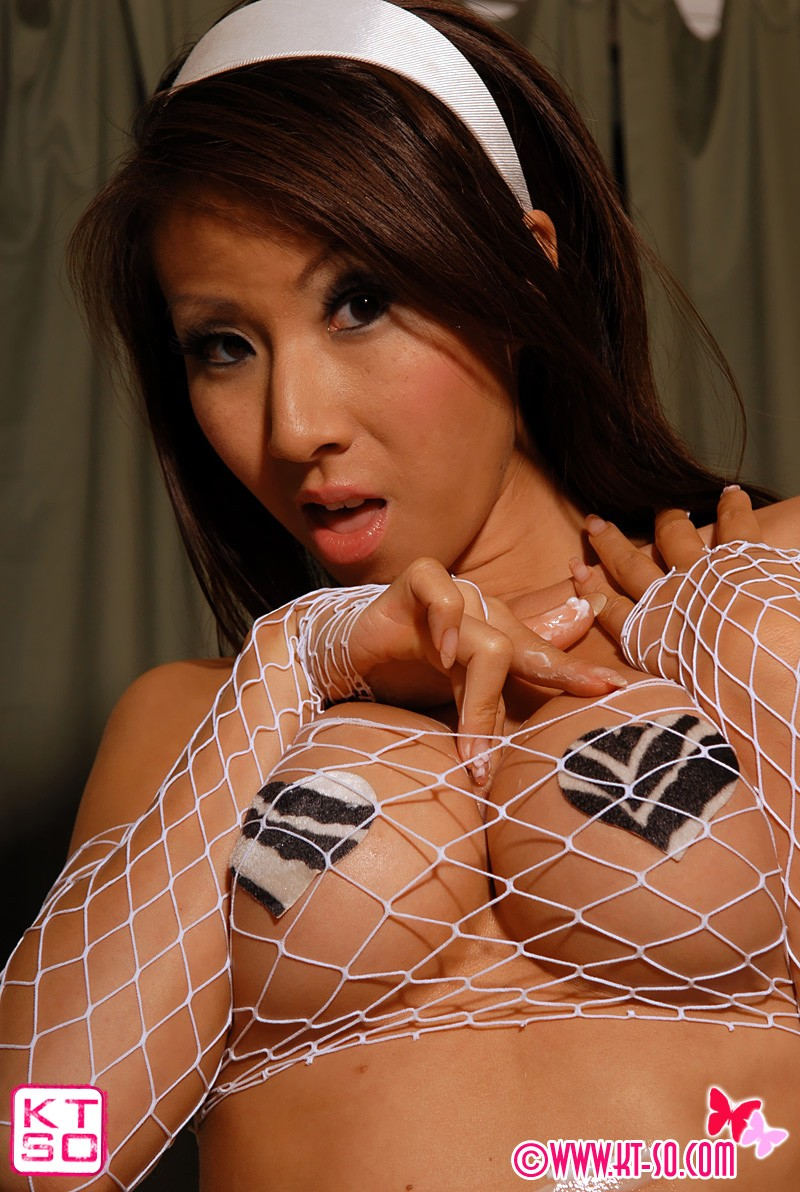 Kt so Web Cam http://galleries5.ptclassic.com/3/kt-so-white-fishnet-stockings-and-pasties/