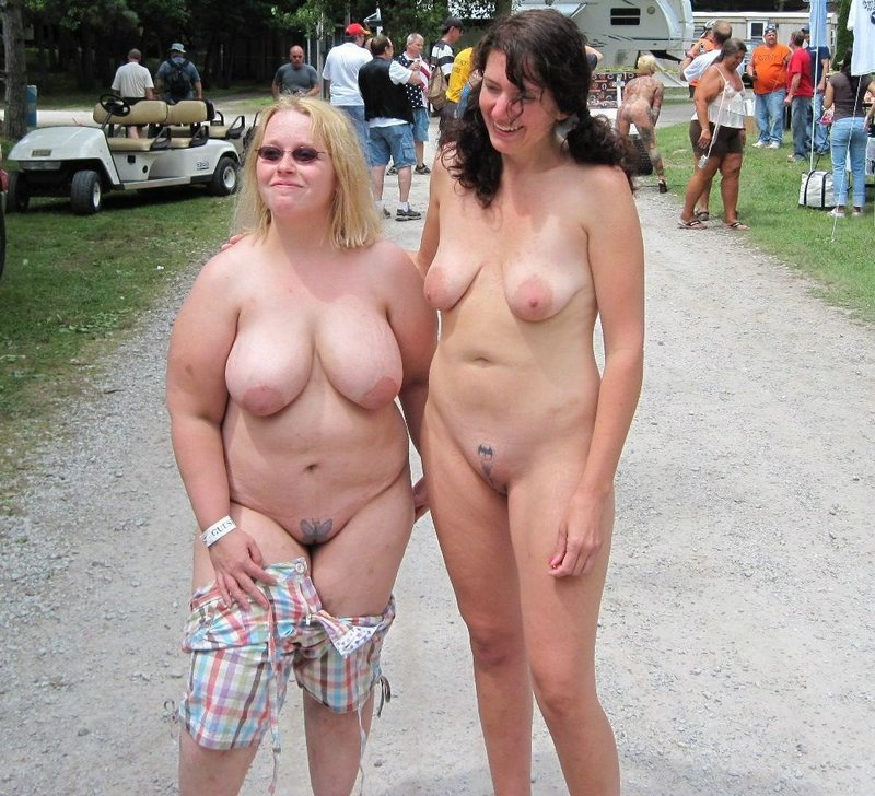 Candid chubby chics with tats in tiny cutoff jean shorts 1
