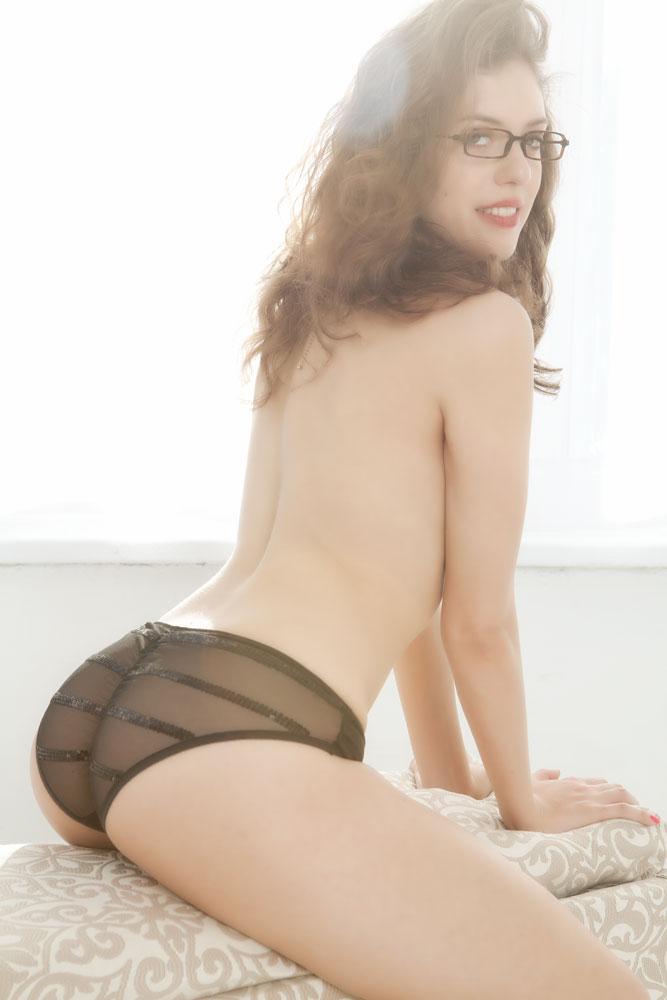 sarah white nude